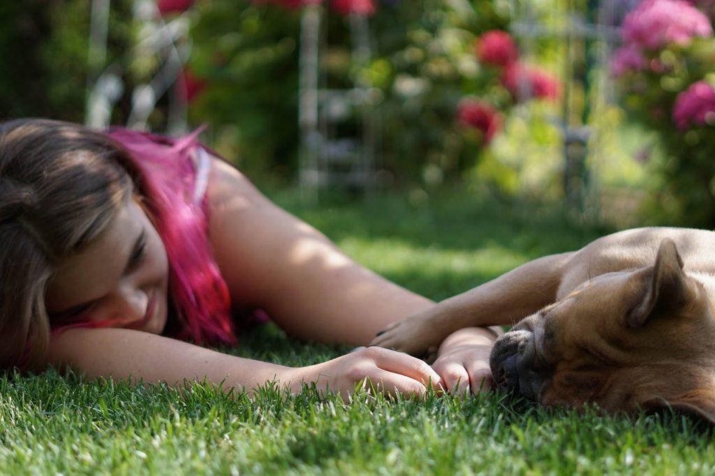 Niña amor animales_perro